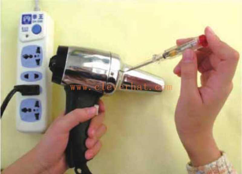 检测用电器是否接上保护接地线